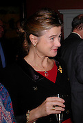 Marchioness of Doura, Celebration honouring the arrival of Deborah Swallow, director, Courtauld Institute of Art. Courtauld Gallery. Somerset House. 9 December 2004. ONE TIME USE ONLY - DO NOT ARCHIVE  © Copyright Photograph by Dafydd Jones 66 Stockwell Park Rd. London SW9 0DA Tel 020 7733 0108 www.dafjones.com