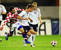 Fotball , 12. oktober 2010 , Privatkamp<br /> 12.10.2010., stadium Maksimir, Zagreb, Croatia - Norway. <br /> Markus Henriksen , Norge<br /> Daniel Pranjic , Kroatia<br /> <br /> Norway only