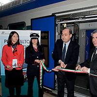 Fs: consegnato nuovo treno Vivalto per i pendolari