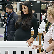 Cara Kilbey first glimpse baby bump in black bodycon dress | Daily Mail Online http://www.dailymail.co.uk/tvshowbiz/article-3287370/Cara-Kilbey-glimpse-baby-bump-black-bodycon-dress.html#ixzz3pfylvo5g