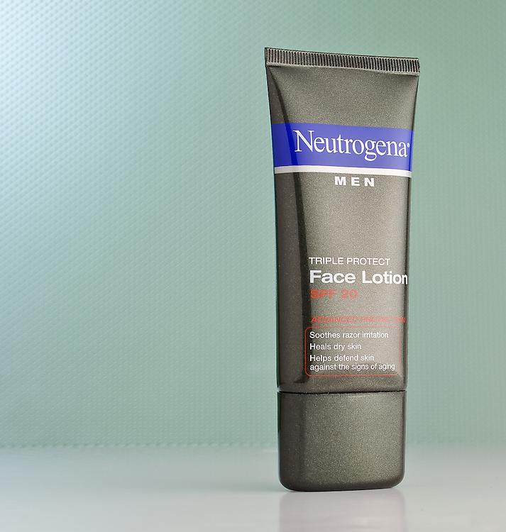 Neutrogena Men Triple Protect Face Lotion