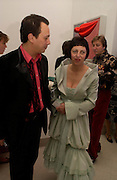 Detmar and Isabella Blow. Art Plus dance fundraising party. Whitechapel gallery. 21 March 2005. ONE TIME USE ONLY - DO NOT ARCHIVE  © Copyright Photograph by Dafydd Jones 66 Stockwell Park Rd. London SW9 0DA Tel 020 7733 0108 www.dafjones.com