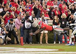 November 18, 2017 - Athens, GA, USA - Athens, GA - November 18, 2017: The number 7 ranked Georgia Bulldogs host the Kentucky Wildcats at Sanford Stadium. (Credit Image: © Steven Limentani/ISIPhotos via ZUMA Wire)