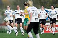 Fotball<br /> Toppserien kvinner<br /> Liungen v Asker 1-3<br /> 15.10.2005<br /> Foto: Morten Olsen, Digitalsport<br /> <br /> L-R: Ditte Jensen - Leni Larsen Kaurin - Dorte Dahlum Jensen - Siri Nordeide Grønli - Asker