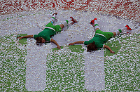 Fotball<br /> Tyskland<br /> 01.05.2015<br /> Foto: imago/Digitalsport<br /> NORWAY ONLY<br /> <br /> v.li.: Verena Faißt (VfL Wolfsburg) und Caroline Graham Hansen (VfL Wolfsburg) feiert<br /> <br /> DFB-Pokal der Frauen, 1. FFC Turbine Potsdam - VfL Wolfsburg