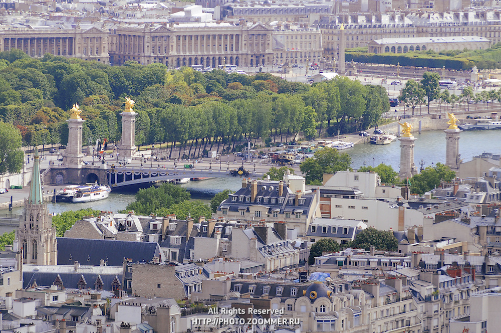 Alexander 3 bridge and historical buildings in Paris