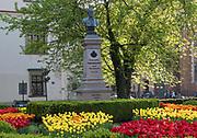 Pomnik Józefa Dietla na placu Wszystkich Świętych  w Krakowie, Polska<br /> Monument to Joseph Dietl at All Saints Square in Cracow, Poland