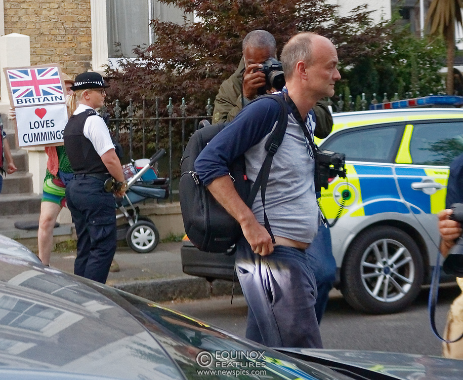 London, United Kingdom - 26 May 2020<br /> Boris Johnsons political advisor Dominic Cummings arriving home. The scene at Dominic Cummings home in North London today where two or three supporters turned up to support of him as he arrived home. Islington, London, England, UK.<br /> **VIDEO AVAILABLE**<br /> (photo by: JKM / EQUINOXFEATURES.COM)<br /> Picture Data:<br /> Photographer: JKM / Equinox Features<br /> Copyright: ©2020 Equinox Licensing Ltd. +443700 780000<br /> Contact: Equinox Features<br /> Date Taken: 20200526<br /> Time Taken: 20262865<br /> www.newspics.com