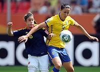 Fotball<br /> VM kvinner 2011 Tyskland<br /> 28.06.2011<br /> Sverige v Colombia<br /> Foto: Witters/Digitalsport<br /> NORWAY ONLY<br /> <br /> v.l. Daniela Montoya, Jessica Landström (Schweden)<br /> Frauenfussball WM 2011 in Deutschland, Kolumbien - Schweden