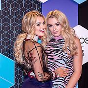 NLD/Rotterdam/20161106 - MTV EMA's 2016, Tallia Storm en vriendin
