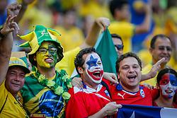 Torcida do Chile na partida entre Brasil x Chile, válida pelas oitavas de final da Copa do Mundo 2014, no Estádio Mineirão, em Belo Horizonte. FOTO: Jefferson Bernardes/ Agência Preview