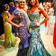 RUS/Minsk/20150829 - Mrs. Universe verkiezing 2015, Sophia de Boer en Mrs. Universe 2014 - Sabrina Pinion