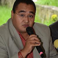 Toluca, México (Agosto 08, 2016).- Ernesto Hernandez, presidente del Frente Civil de Organizaciones del Edo Mex (FECOEM), durante conferencia de prensa, donde exigieron se les reconozca de manera estatal y federal la Organizacion que representa aproximadamente 90 mil ciudadanos en el Edo Mex. Agencia MVT / Arturo Hernández.