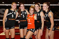 20161106 DUI: Bundesliga, Ladies in Black Aachen - MTV Allianz Stuttgart: Aachen<br />Nika Daalderop (9), Tessa Polder (5), Kirsten Knip (1), Jeanine Stoeten (8), Nicole Oude Luttikhuis (10) of Ladies in Black Aachen<br />©2016-FotoHoogendoorn.nl / Pim Waslander