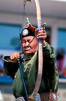 Mongolie, Oulaan Bator, Fête du Naadam, Tournoi de tir a l arc // Mongolia, Ulaan Bator, Naadam festival, archery tournament