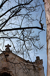 Primo giorno di primavera per le strade di Gallipoli: l'ora di pranzo ed il silenzio fanno da cornice a questo suggestivo paesaggio.