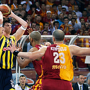 Fenerbahce Ulker's Darjus LAVRINOVIC (L) during their Turkish Basketball league Play Off Final third leg match Galatasaray between Fenerbahce Ulker at the Abdi Ipekci Arena in Istanbul Turkey on Thursday 09 June 2011. Photo by TURKPIX