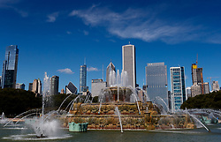 Buckingham fountain in Grant Park looking towards the Chicago skyline