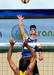 18-07-2014 NED: FIVB Grand Slam Beach Volleybal, Scheveningen<br /> Knock out fase - Alexander Brouwer