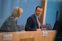DEU, Deutschland, Germany, Berlin, 12.05.2021: Bundesbildungsministerin Anja Karliczek (CDU) und Bundesgesundheitsminister Jens Spahn (CDU) in der Bundespressekonferenz zur aktuellen Corona-Lage.