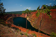 Parauapebas_PA, Brasil...Mineracao desativada na Floresta Nacional dos Carajas, Parauapebas, Para...Mining disabled in the National Forest of Carajas Parauapebas, Para...Foto: JOAO MARCOS ROSA / NITRO