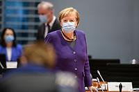 02 DEZ 2020, BERLIN/GERMANY:<br /> Angela Merkel, CDU, Bundeskanzlerin, mit Mund-Nase-Maske, vor Beginn einer Kebinettsitzung, Internationaler Konferenzsaal, Bundeskanzleramt<br /> IMAGE: 20201202-01-018<br /> KEYWORDS: Sitzung, Kabinett, Atemmaske, Maske, Corvid-19, Corona, Pandemie