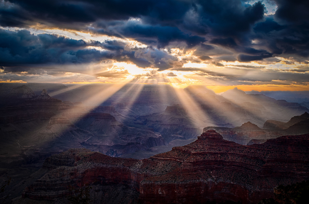 Landscape of the Grand Canyon at Sunrise in Arizona. ©justinalexanderbartels.com
