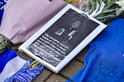 Another heartfelt tribute (c) Simon Kimber   SportPix.org.uk
