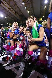 11-05-2017 ITA: Finale Liu Jo Modena - Igor Gorgonzola Novara, Modena<br /> Novara heeft de titel in de Italiaanse Serie A1 Femminile gepakt. Novara was oppermachtig in de vierde finalewedstrijd. Door een 3-0 zege is het Italiaanse kampioenschap binnen. / Laura Dijkema #14, Judith Pietersen #8<br /> <br /> ***NETHERLANDS ONLY***