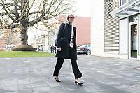 14 NOV 2018, POTSDAM/GERMANY:<br /> Anja Karliczek, MdB, CDU, Bundesministerin fuer Bildung und Forschung, auf dem Weg zur Klausurtagung des Bundeskabinetts, Hasso Plattner Institut (HPI, Potsdam-Babelsberg<br /> IMAGE: 20181114-01-018<br /> KEYWORDS; Kabinett, Klausur, Tagung