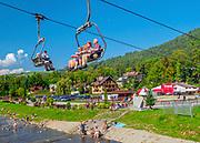 Wyciąg krzesełkowy na Palenice i promenada spacerowa wzdłuż brzegu potoku Grajcarek, Szczawnica.
