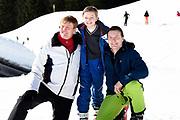 Fotosessie met de koninklijke familie in Lech /// Photoshoot with the Dutch royal family in Lech .<br /> <br /> Op de foto/ On the photo: Kioning Willem Alexander en Prins Constantijn met zijn zoon Prins Claus-Casimir
