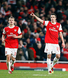 16.02.2011, Emirates Stadium, London, ENG, UEFA CL, FC Arsenal vs FC Barcelona, im Bild Arsenal's Robin van Persie celebrates his equaliser    in Arsenal vs Barcelona for the UCL  ,Round of last 16, at the Emirates Stadium in London on 16/02/2011, EXPA Pictures © 2011, PhotoCredit: EXPA/ IPS/ Kieran Galvin +++++ ATTENTION - OUT OF ENGLAND/GBR and France/ FRA +++++