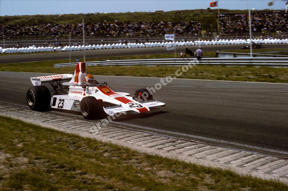 Tony Brise (Hill-Ford) in the 1975 Dutch Grand Prix at Zandvoort. Photo: Grand Prix Photo