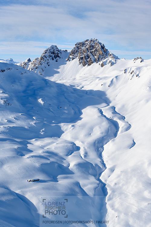 Die Piz digl Gurschus über dem Pass da Schmorras, Savognin, Graubünden, Schweiz / <br /> <br /> <br /> <br /> The Piz digl Gurschus above the Pass da Schmorras, Savognin, Graubünden, Switzerland