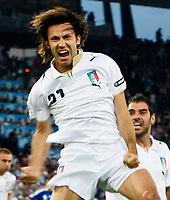 Jubel von Andrea Pirlo (ITA) nach dem Penalty © Stephane Combre/EQ Images
