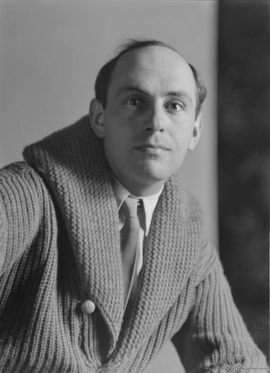 Gustav von Wangenheim, actor, 1929