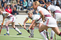 UTRECHT -  Eva Weijmar Schultz (m) tijdens de finale Veteranen hoofdklasse A dames tussen Kampong en Amsterdam. Kampong wint na shoot out. COPYRIGHT KOEN SUYK