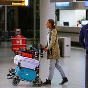 NLD/Schiphol/20130104 - Terugkomst Glennis Grace van vakantie, Glennis