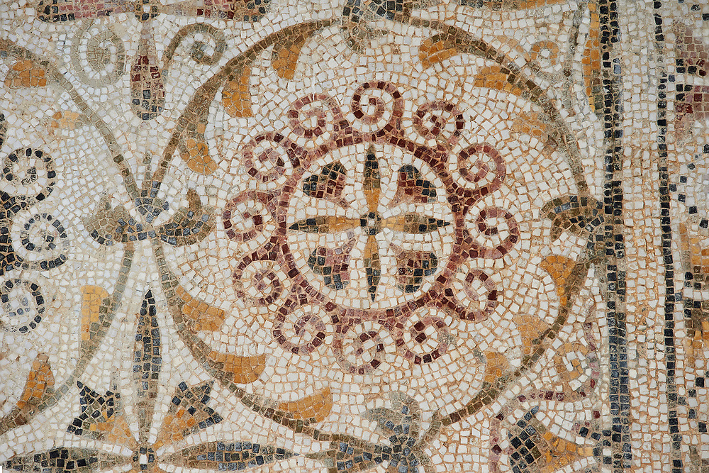 Pictures of a geometric  Roman mosaics design, from the ancient Roman city of Thysdrus. 3rd century AD. El Djem Archaeological Museum, El Djem, Tunisia. .<br /> <br /> If you prefer to buy from our ALAMY PHOTO LIBRARY Collection visit : https://www.alamy.com/portfolio/paul-williams-funkystock/roman-mosaic.html . Type - El Djem - into the LOWER SEARCH WITHIN GALLERY box. Refine search by adding background colour, place, museum etc<br /> <br /> Visit our ROMAN MOSAIC PHOTO COLLECTIONS for more photos to download as wall art prints https://funkystock.photoshelter.com/gallery-collection/Roman-Mosaics-Art-Pictures-Images/C0000LcfNel7FpLI