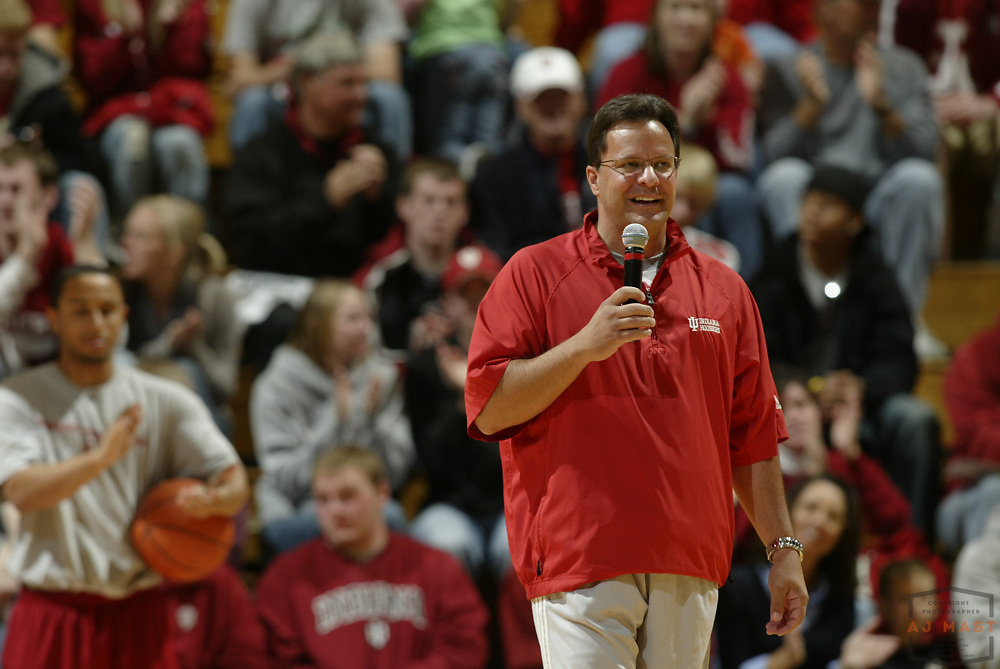 25 October 2008: Indiana head coach Tom Crean as the Indiana Hoosiers played a scrimmage college basketball game in Bloomington, Ind.