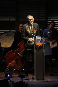 Anton Corbijn houdt een toespraak na het krijgen van de Prins Bernhard Cultuurfonds Prijs 2011.<br /> <br /> Anton Corbijn gives a speech after receiving the Prince Bernhard Cultural Foundation Prize 2011.