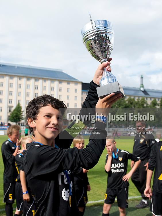 B12. Honka/Akatemia.  Helsinki Cup. Finaalit. Pallokenttä, Töölö, Helsinki, 14.7.2012. Photo: Jussi Eskola