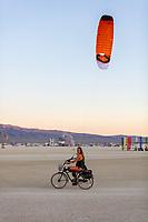 Burner with kite and bike