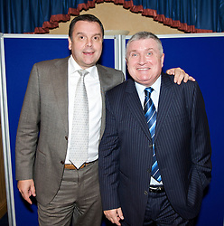 LIVERPOOL, ENGLAND - Friday, November 27, 2009: Graeme Sharp and Ronnie Goodlass at the Health Through Sport charity dinner at the Devonshire House. (Photo by David Rawcliffe/Propaganda)