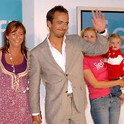 NLD/Amstelveen/20070524 - Presentatie LIEF kledinglijn, Geert Hoes en Yvonne Woudstra