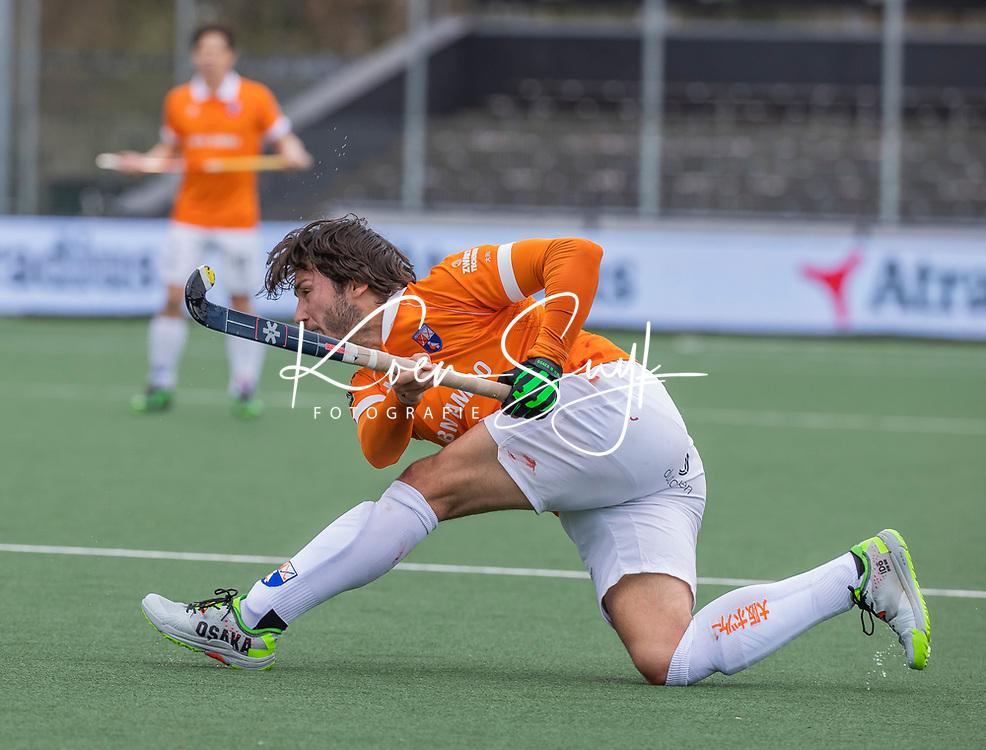 AMSTELVEEN - Arthur van Doren (Bldaal)  tijdens de halve finale wedstrijd mannen EURO HOCKEY LEAGUE (EHL),  HC Bloemendaal- Royal Leopold Club (Bel)(1-1) Bloemendaal wint shoot outs en plaatst zich voor de finale.  COPYRIGHT  KOEN SUYK