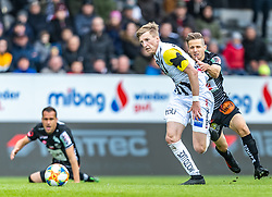 05.05.2019, TGW Arena, Pasching, AUT, 1. FBL, LASK vs RZ Pellets WAC, Meistergruppe, 29. Spieltag, im Bild Gerald Nutz (WAC), Philipp Wiesinger (LASK) // during the tipico Bundesliga master group 29th round match between LASK and RZ Pellets WAC at the TGW Arena in Pasching, Austria on 2019/05/05. EXPA Pictures © 2019, PhotoCredit: EXPA/ JFK