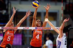 09-01-2016 TUR: European Olympic Qualification Tournament Rusland - Nederland, Ankara<br /> De strijd om Rio of Japan / Celeste Plak #4, Robin de Kruijf #5, Nataliia Obmochaeva #8 of Rusland