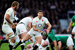 Ben Youngs of England passes the ball - Mandatory byline: Patrick Khachfe/JMP - 07966 386802 - 27/02/2016 - RUGBY UNION - Twickenham Stadium - London, England - England v Ireland - RBS Six Nations.